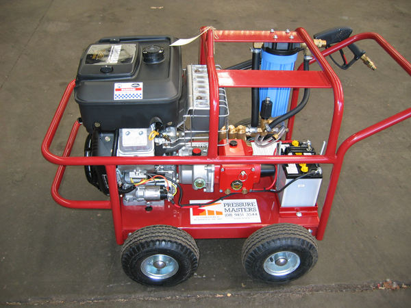 "Petrol driven 14 HP Briggs engine with 15 l/m pump. Attachments include turbo head, extra 20m pressure hoses, 16"" whirlaway."